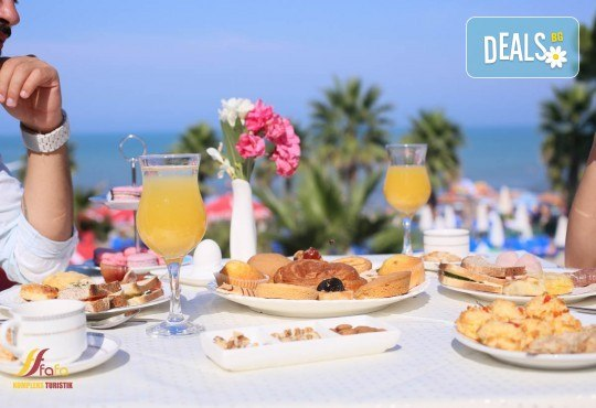 Посрещнете Нова година в Fafa Premium Hotel 4+*, Дуръс! 3 нощувки с 3 закуски и 2 вечери, транспорт, посещение на Скопие, Струга и Елбасан - Снимка 7