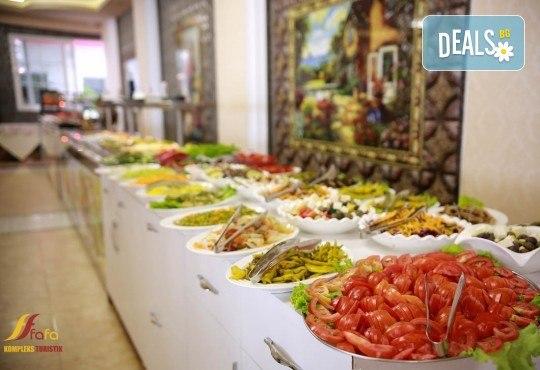 Посрещнете Нова година в Fafa Premium Hotel 4+*, Дуръс! 3 нощувки с 3 закуски и 2 вечери, транспорт, посещение на Скопие, Струга и Елбасан - Снимка 8