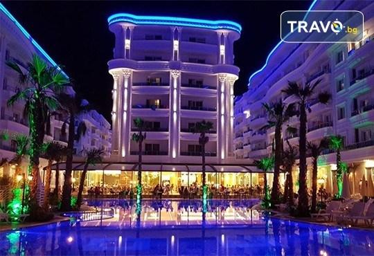 Посрещнете Нова година в Fafa Premium Hotel 4+*, Дуръс! 3 нощувки с 3 закуски и 2 вечери, транспорт, посещение на Скопие, Струга и Елбасан - Снимка 1