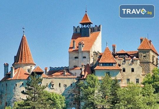 Екскурзия през ноември до Румъния със Запрянов Травел! 2 нощувки със закуски, транспорт, екскурзовод и панорамна обиколка на Букурещ - Снимка 11