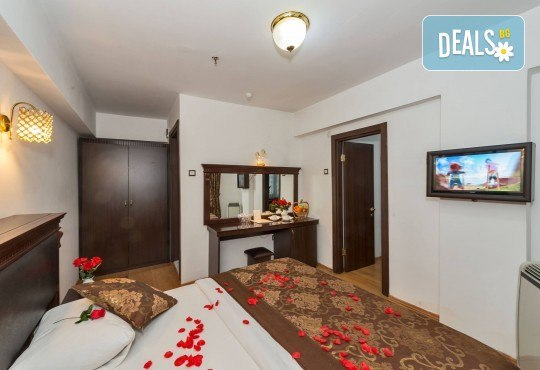 Нова година в Истанбул на супер цена! 2 нощувки със закуски в Kuran Hotel 3*, транспорт и посещение на Одрин - Снимка 11