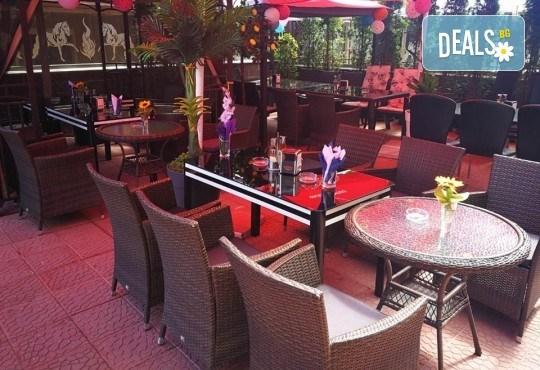 Хапнете вкусно и изгодно! Основно ястие и салата по избор от La Dolce Vita bar & dinner! - Снимка 10