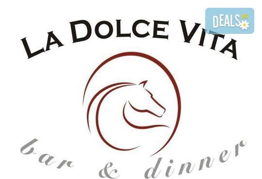 Хапнете вкусно и изгодно! Основно ястие и салата по избор от La Dolce Vita bar & dinner! - Снимка 9