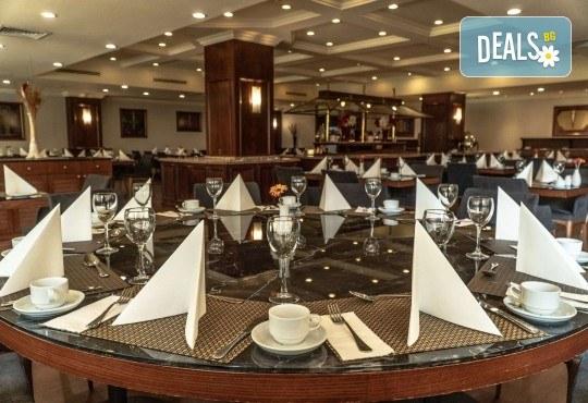 Петзвездна Нова година в Eresin Topkapi Hotel в Истанбул! 2 нощувки със закуски, ползване на турска баня, басейн и сауна - Снимка 7