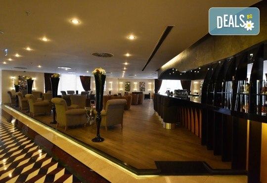Лукс за Нова година в Hotel Istanbul Gonen 5*, Истанбул! 3 нощувки със закуски, транспорт, богата Новогодишна вечеря и посещение на Одрин - Снимка 5