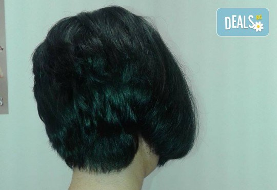 Подстригване, масажно измиване и кератинова терапия с професионалните продукти на Brave new hair и оформяне със сешоар в салон за красота Феникс! - Снимка 4