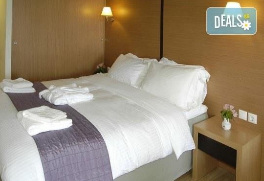 Посрещнете Нова година 2020 на о. Лефкада, Гърция, с България Травъл! Хотел Lefkas 3*+, 3 нощувки, 3 закуски, 2 вечери, транспорт по желание - Снимка 6