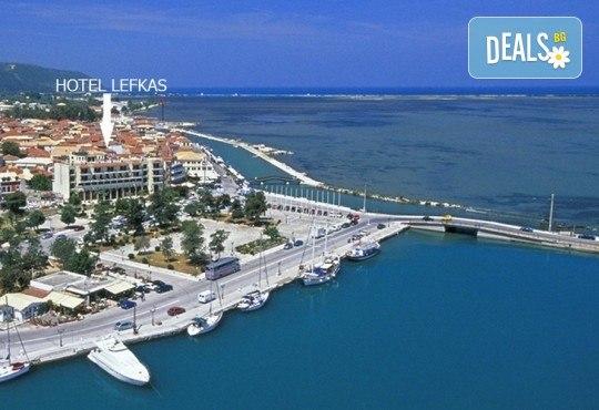 Посрещнете Нова година 2020 на о. Лефкада, Гърция, с България Травъл! Хотел Lefkas 3*+, 3 нощувки, 3 закуски, 2 вечери, транспорт по желание - Снимка 8