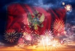 Нова година 2020 на Черногорската ривиера с България Травъл! 4 нощувки, 4 закуски, 2 вечери в Hotel Palma 4*+ в Тиват, по желание транспорт - Снимка