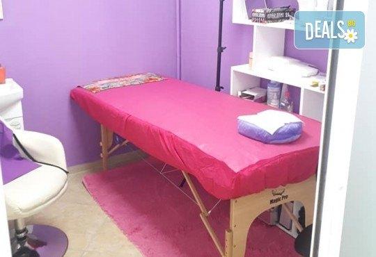 Дълготрайни цветове! Класически или апаратен маникюр с гел лак в NSB Beauty Center! - Снимка 11