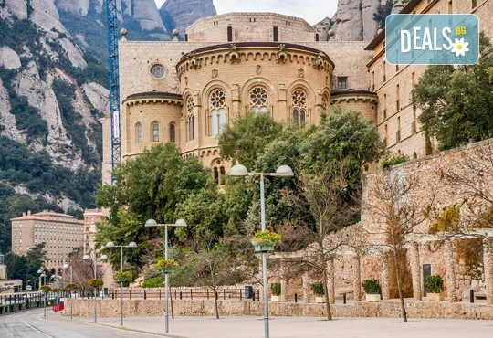Ранни записвания за Великден в Барселона! 9 нощувки със закуски, транспорт, помещение на Сан Ремо, Верона, Любляна и Милано - Снимка 19