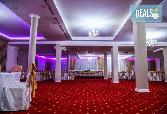 Посрещнете Нова година 2020 в Струмица, Северна Македония! 2 нощувки със закуски и вечери в Hotel Emi 4*, празнична вечеря, по желание транспорт - Снимка 5