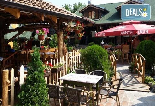 Посрещнете Нова година 2020 в Лесковац, Сърбия! 2 нощувки със закуски в Atina Lux, Новогодишна вечеря и втора празнична вечеря в ресторант Gros, по желание транспорт - Снимка 8