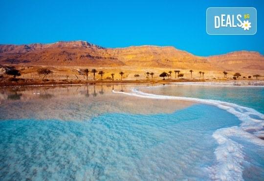 Екзотична есенна екскурзия до Йордания! 4 нощувки със закуски в хотел 4*, самолетен билет и трансфери, входна виза - Снимка 1