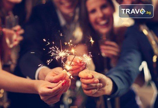 Нова година на остров Тасос! 3 нощувки със закуски и вечери в Hotel Ellas 3*, Новогодишна вечеря, транспорт и посещение на Кавала - Снимка 1