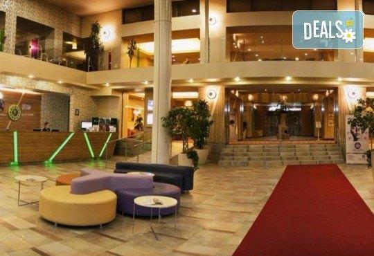 За Нова година в SPA Hotel Rin Grand 4* в Букурещ, Румъния! 3 нощувки със закуски, транспорт, екскурзовод и програма - Снимка 7