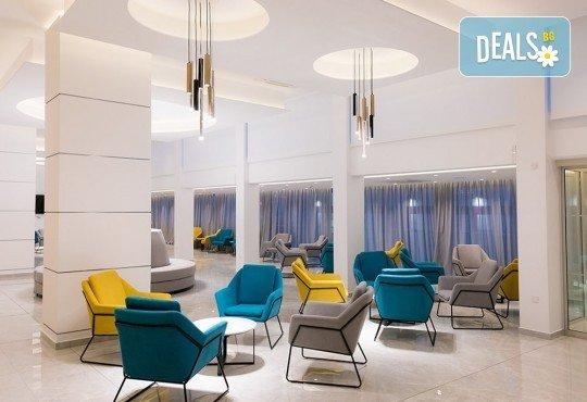 Нова година 2020 в Кипър с полет от Варна! Самолетен билет, летищни такси, багаж, трансфер, 4 нощувки със закуски и вечери в Kapetanios Hotel 3* - Снимка 7