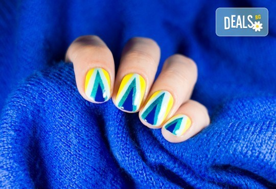 Изящни нокти! Маникюр с гел лак и неограничен брой декорации в салон за красота Sunshine! - Снимка 1