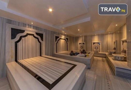 Посрещнете Нова година в Истанбул с Дениз Травел! 3 нощувки със закуски в The Vison Deluxe Hotel Istanbul 4*, транспорт и бонуси: посещение на мол Forum и Одрин - Снимка 14