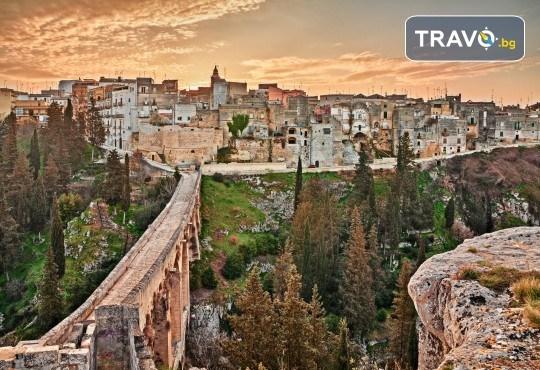 Есенна романтика в Бари, Италия! 3 или 4 нощувки със закуски в хотел 3*, самолетен билет и летищни такси - Снимка 2