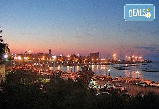 Есенна романтика в Бари, Италия! 3 или 4 нощувки със закуски в хотел 3*, самолетен билет и летищни такси - Снимка 5