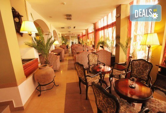 Отпразнувайте идването на Новата 2020 година в Охрид! 3 нощувки със закуски и вечери в Hotel Belvedere 4*, транспорт, Новогодишна вечеря, разходка в Скопие, Струга и Битоля - Снимка 16