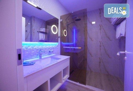 Посрещнете Нова година 2020 в хотел Grand Blue Fafa Resort 5*, Албания, с АБВ Травелс! 3 нощувки, 3 закуски и 2 вечери, транспорт и програма в Дуръс, Скопие и Охрид! - Снимка 5