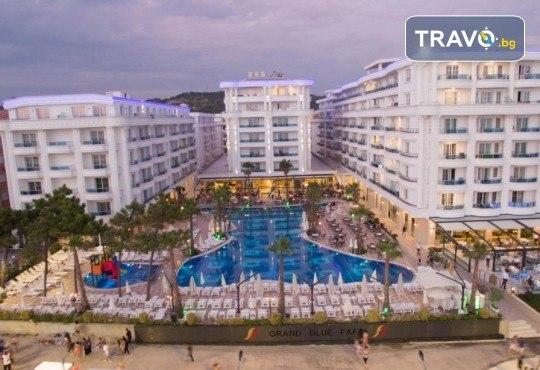 Посрещнете Нова година 2020 в хотел Grand Blue Fafa Resort 5*, Албания, с АБВ Травелс! 3 нощувки, 3 закуски и 2 вечери, транспорт и програма в Дуръс, Скопие и Охрид! - Снимка 3