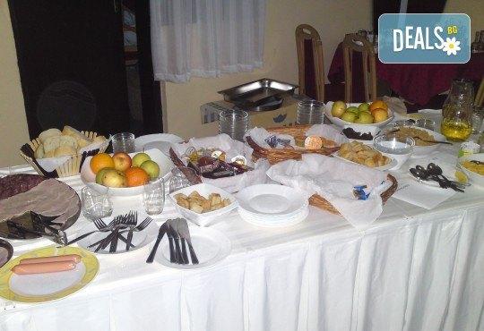 Купон по сръбски за Нова година! 2 нощувки в Лесковац с 2 закуски и 1 вечеря с неограничена консумация на напитки, възможност за транспорт - Снимка 6