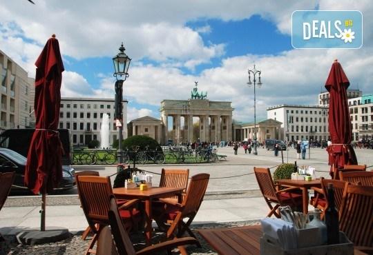 Вижте модерното лице на Германия - Берлин, през ноември! 3 нощувки в хотел 3*, самолетен билет и включени такси - Снимка 3