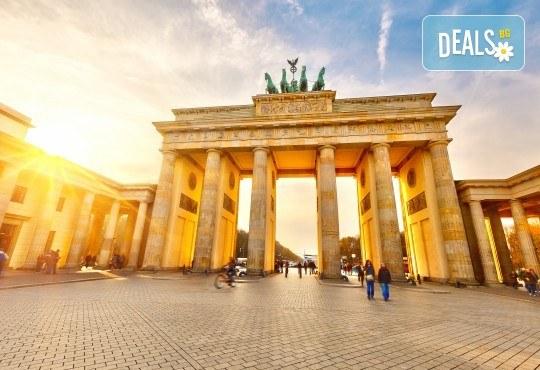 Вижте модерното лице на Германия - Берлин, през ноември! 3 нощувки в хотел 3*, самолетен билет и включени такси - Снимка 2