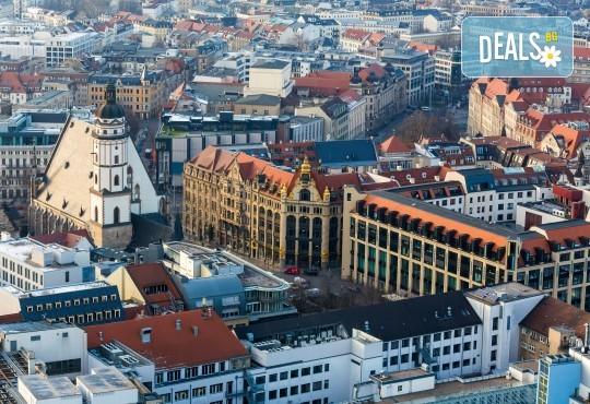 Коледни базари в Дрезден и Прага - екскурзия с ТА Солвекс! Самолетен билет, летищни такси, трансфер, 5 нощувки със закуски, пешеходни обиколки - Снимка 12