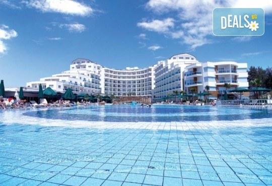 Ранни записвания за Нова година 2020 в Sealight Resort 5*, Кушадасъ! 4 нощувки на база Ultra All Inclusive и Новогодишна гала вечеря - Снимка 2