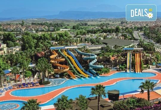 Ранни записвания за море 2020! 7 нощувки на база Ultra All Inclusive във Von Resort Golden Beach 5*, възможност за транспорт - Снимка 3