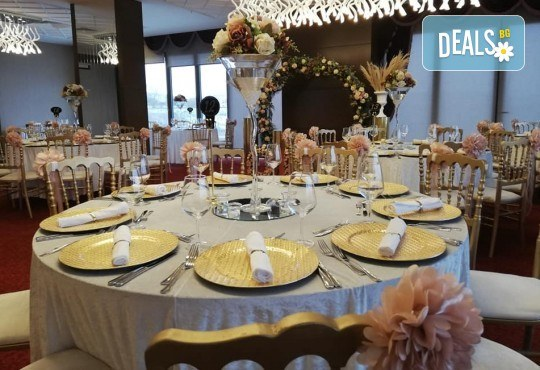 Луксозна Нова година в Hampton By Hilton 4*, Гелиболу! 3 нощувки с 3 закуски и 2 стандартни вечери, Новогодишна вечеря с неограничени напитки и DJ програма - Снимка 7