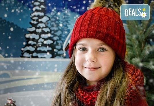 Коледна фотосесия на открито за деца, семейна или за влюбени от фотограф София Асеникова! - Снимка 2