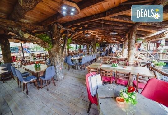 Нова Година 2020 в Лесковац, Сърбия! 3 нощувки с 3 закуски, 2 стандартни и 1 Новогодишна вечеря в комплекс Apostolovic, възможност за транспорт - Снимка 3
