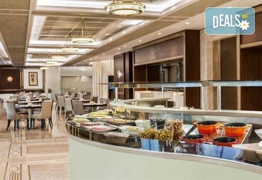 Лукс за Нова година в Истанбул! 3 нощувки със закуски и вечери в Elite World Europe Luxury Hotel 5*, Новогодишна вечеря, ползване на басейн, сауна и турска баня - Снимка 6