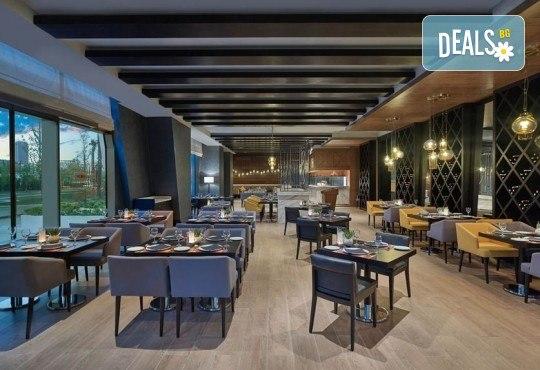 Лукс за Нова година в Истанбул! 3 нощувки със закуски и вечери в Elite World Europe Luxury Hotel 5*, Новогодишна вечеря, ползване на басейн, сауна и турска баня - Снимка 5