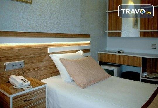 На супер цена до изчерпване на местата! Нова година в Истанбул - 3 нощувки със закуски в Yaztur Hotel 3*, транспорт, посещение на мол Forum - Снимка 13