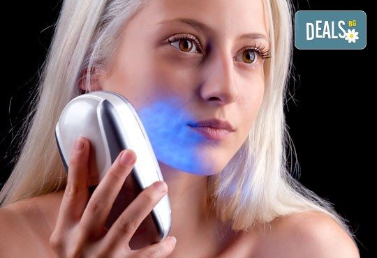 Ултразвукова фотон терапия на лице според нуждата на кожата - антиейдж, пигментация или акне, в салон Женско царство в Центъра! - Снимка 3