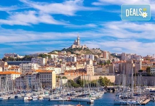 Романтика през ноември във Франция! 3 нощувки със закуски в хотел 3* в Марсилия, самолетен билет и летищни такси - Снимка 2