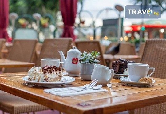 Коледен шопинг в Малта! 3 нощувки със закуски в Hotel Plaza 3*, самолетен билет и водач от ПТМ Интернешънъл! - Снимка 11