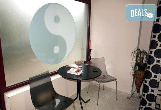70-минутен лечебен, класически масаж на цяло тяло, преглед от физиотерапевт и висококачествена ароматерапия + лазертерапия или инверсионна терапия в студио Samadhi! - Снимка 4