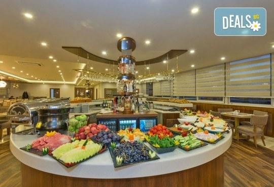 Лукс за Нова година! 3 нощувки със закуски в Bekdas Deluxe 4* в Истанбул, транспорт и водач от Караджъ Турс - Снимка 7