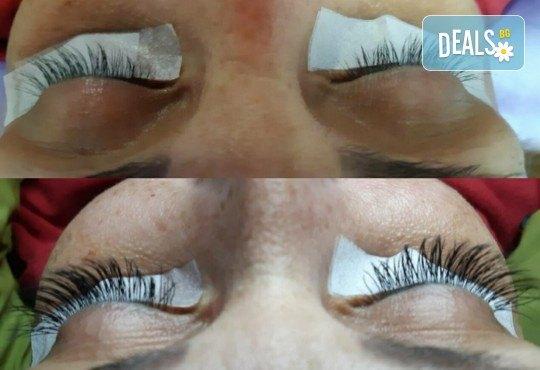 Поставяне на копринени мигли по метода косъм по косъм в New faces beauty studio! - Снимка 4