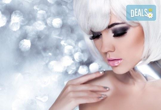 Поставяне на копринени мигли по метода косъм по косъм в New faces beauty studio! - Снимка 1