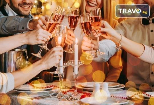 Посрещнете Нова година в Истанбул! 3 нощувки със закуски, транспорт, Новогодишна вечеря на яхта по Босфора! - Снимка 1