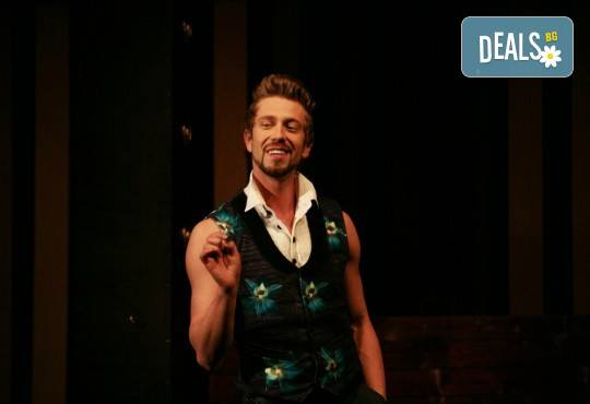 Гледайте Калин Врачански и Мария Сапунджиева в комедията Ревизор на 12.11. от 19 ч., в Театър ''София'', билет за един! - Снимка 12