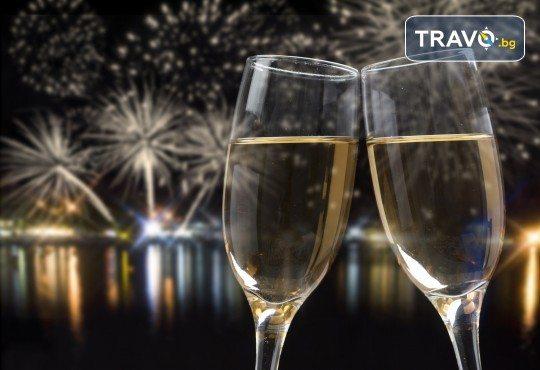 5-звездна Нова година в Hotel Gonen в Истанбул! 2 нощувки със закуски, празнична вечеря с неограничени напитки и DJ парти, транспорт и посещение на Одрин! - Снимка 1